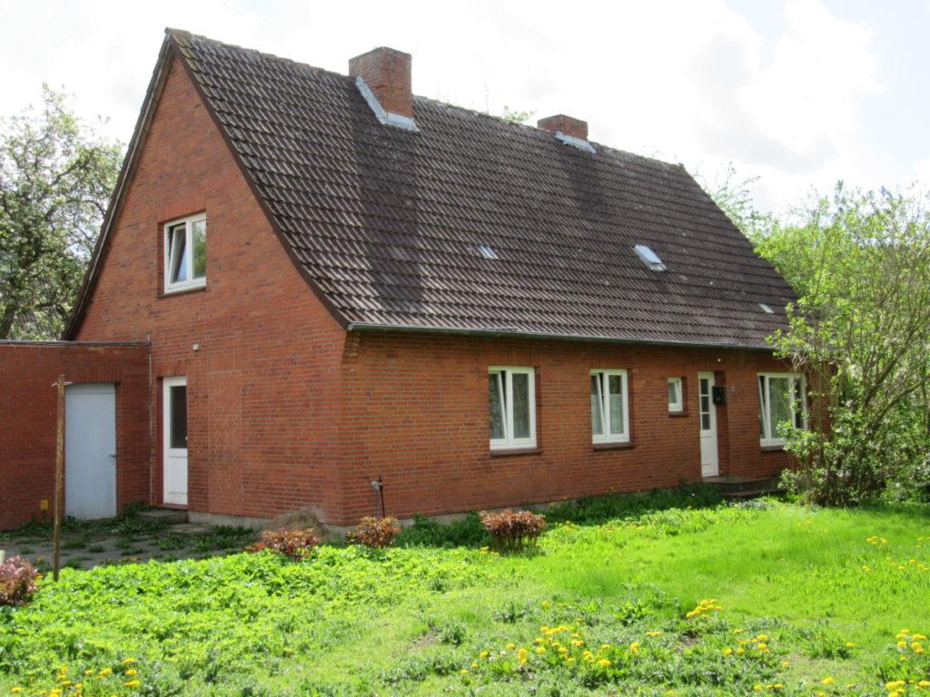 Für Handwerker!  Solides, großzügiges Ein- Zweifamilienhaus  für die große Familie oder als 2-Generationenhaus  in ruhiger Lage!
